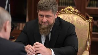 Дед Мороз сделал подарок главному волшебнику Чечни