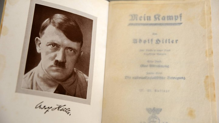 ЦРУ публикует сенсацию: Гитлер попал на фото в Колумбии в 1954 году