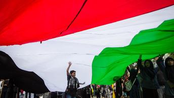 Иран обвинил в опосредованной войнеСША, Британию и Саудовскую Аравию