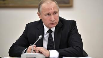 Здоровья, успехов и благополучия - Путин поздравил православных России с Рождеством