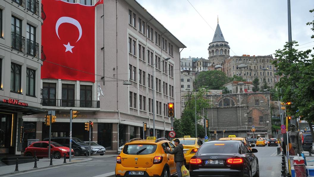 Гражданам Турции рекомендовали отказаться от поездок в США из-за терактов и арестов