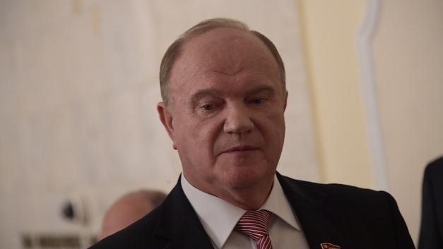 Зюганов попросил Путина защитить Грудинина от шельмования в СМИ