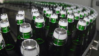 В России стали меньше пить водки, шампанского и коньяка