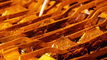 Золото и серебро дорожают из-за снижения курса доллара