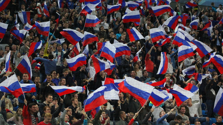 Первая победа России на Олимпиаде в Пхёнчхане: МОК разрешил российский флаг болельщикам