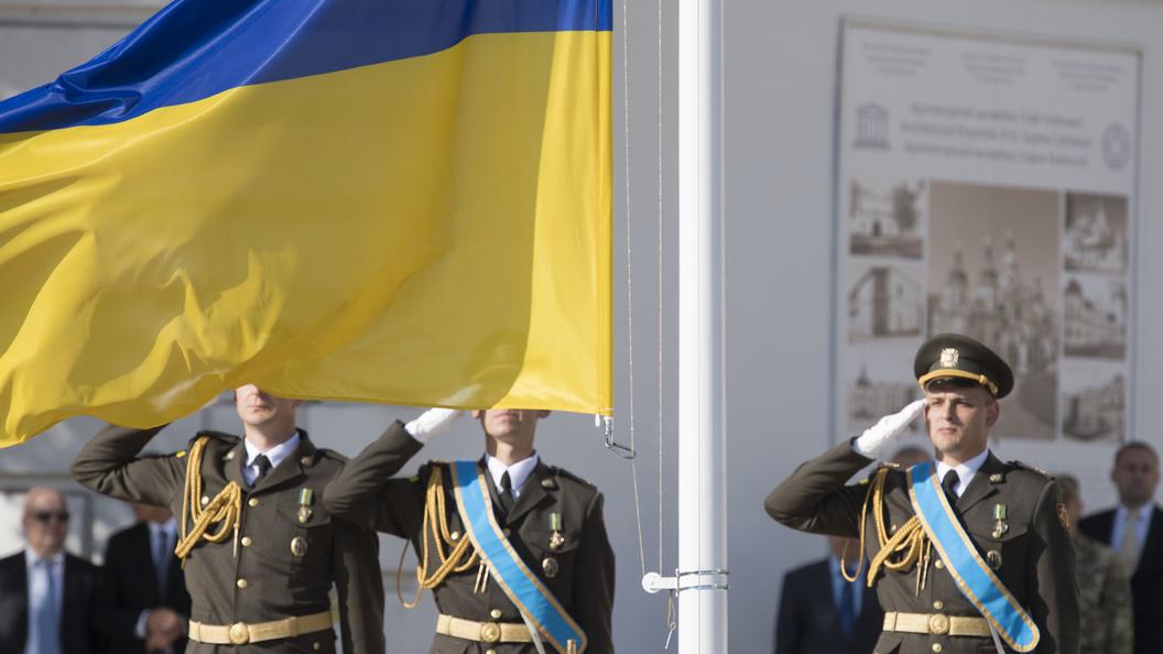 Вweb-сети интернет высмеяли новый украинский броневик: Сало либо Хлам