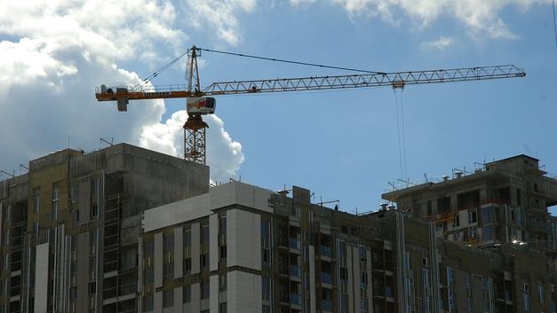 Построенные до реновации дома сдадут в ближайшее время - Собянин