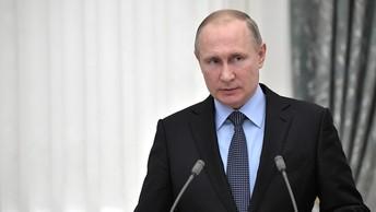 Владимиру Путину показали захваченный арсенал сирийских боевиков