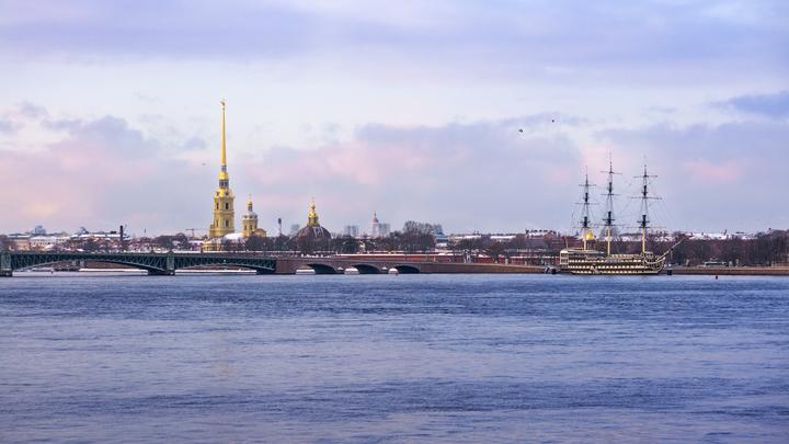 Петербургский мост глупости зафиксировал аварию юбилейного автомобиля
