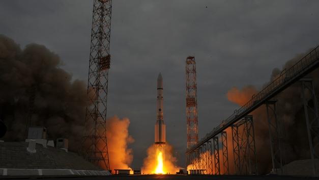 Запуск ракеты Протонс военным спутником Благовест отложили - источник