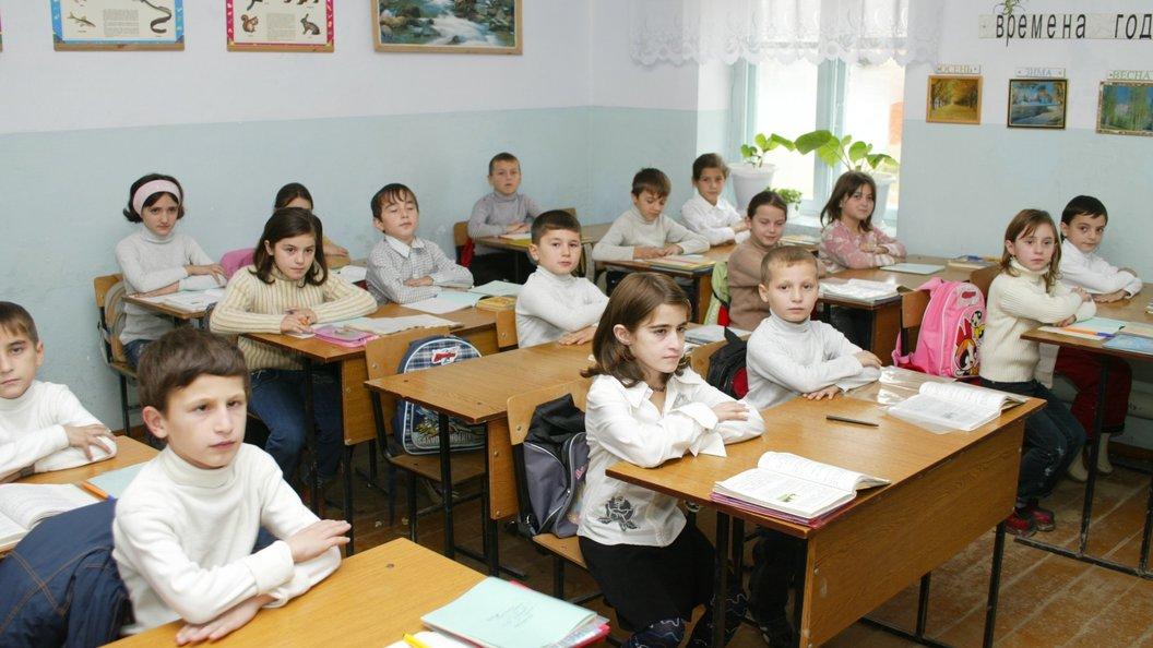 Школьница вПриморье прочла науроке стихотворение Маяковского сматом