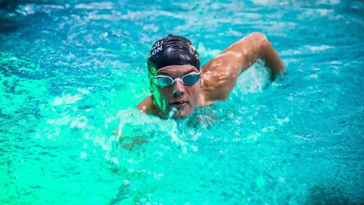 Доплавался: Тренера сборной США по плаванию обвиняют в изнасиловании подопечной