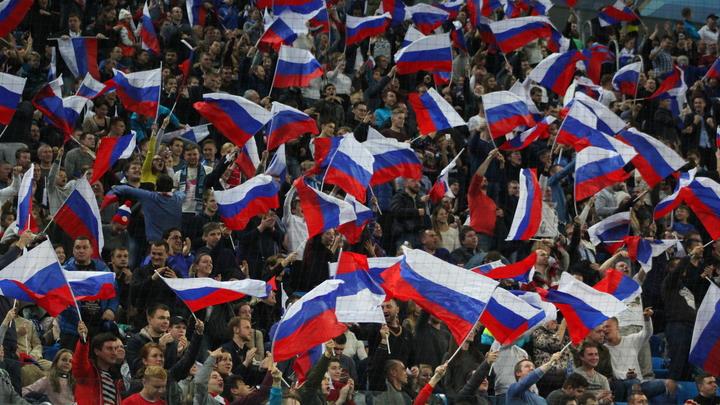 Американец, развернувший флаг России на ОИ: Все ваши спортсмены должны выступать здесь