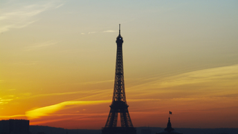Франция тряхнула Эйфелевой башней: Сейсмологи зафиксировали 5-балльное землетрясение