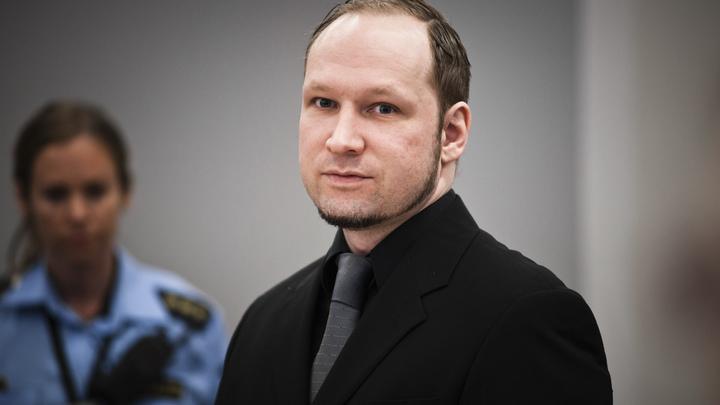 Норвежский террорист Брейвик попытался обмануть суд, заявив о раскаянии