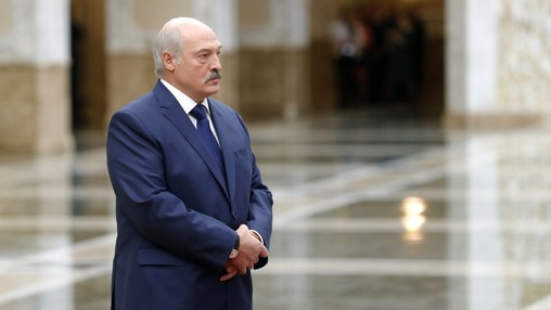 Лукашенко показывает пример борьбы с коррупцией в правительстве