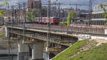 Поезд сошел с рельсов настаринной железной дороге в Грузии