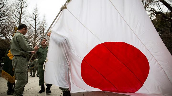 Истребитель США вспыхнул в небе над Японией