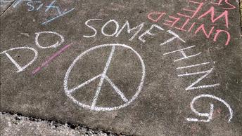 Сделайте что-нибудь: Школьники в США вышли на протест к Белому дому