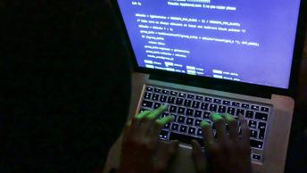 Эксперты: Хакеры могут взламывать компьютеры пользователей через дыры в uTorrent