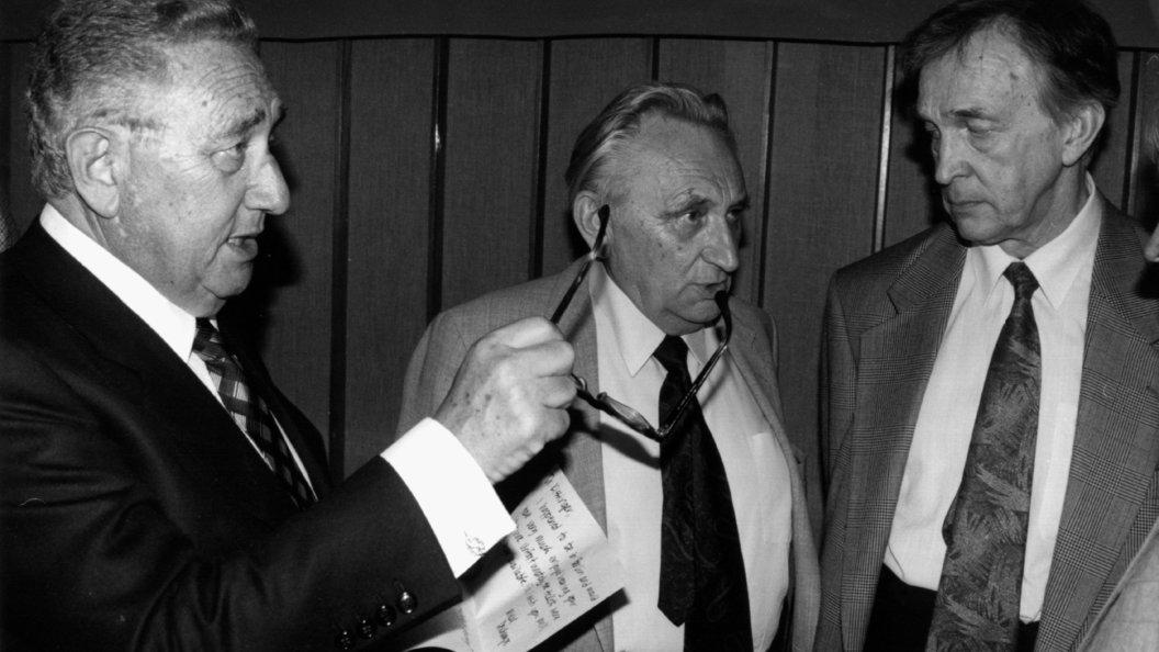 Скончался дипломат и корреспондент Валентин Фалин