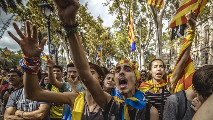 Каталонцы попытались выгнать короля Испании из Барселоны