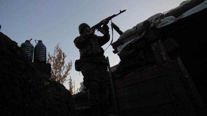 Украинские каратели обстреляли Докучаевск из тяжелого вооружения