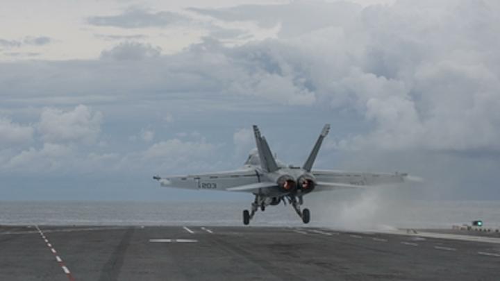 Разведка над Черным морем: У морских границ России засекли военный самолет США