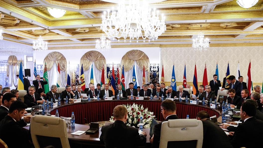 На саммите СНГ делают шаг к Российской империи