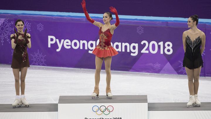 Серебряный призер Олимпиады Медведева спрятала свою медаль