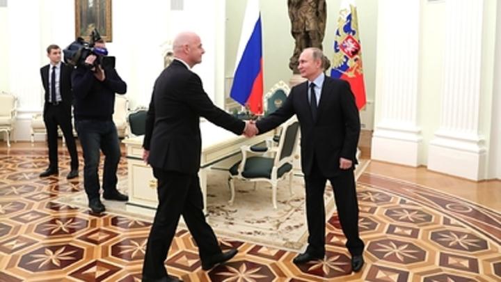 Видео дня в соцсетях: Путин забивает Инфантино гол