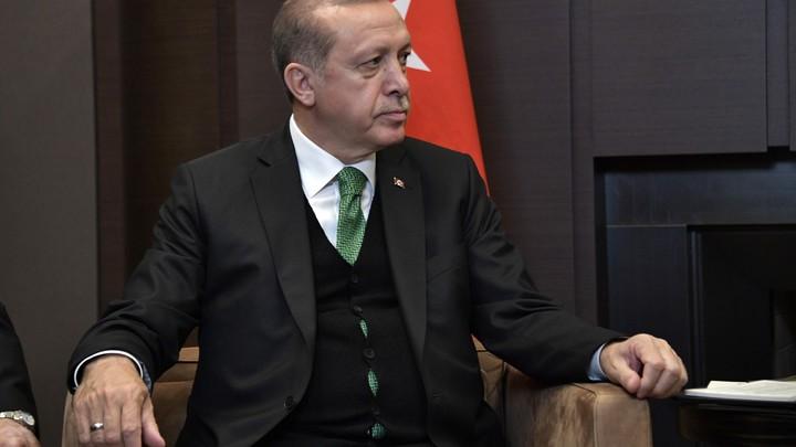 Эрдоган выразил соболезнования Путину в связи с крушением Ан-26
