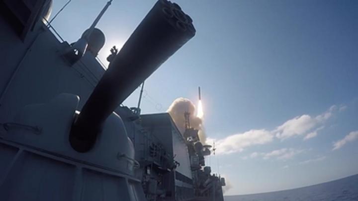 Калибр уходит в море: Вооруженный российский фрегат отправился в первый рейд этого года
