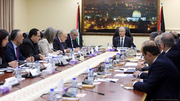 Палестинского премьера попытались взорвать в секторе Газа самодельной бомбой - фото