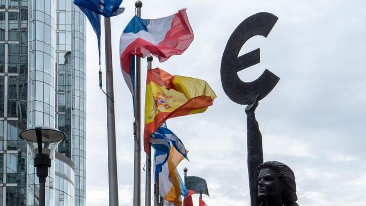 Москва успешно разместила евробонды для беглого капитала, но есть существенный риск