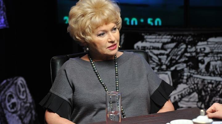 Напавшей в Совфеде на Мединского матери Собчак отключили микрофон