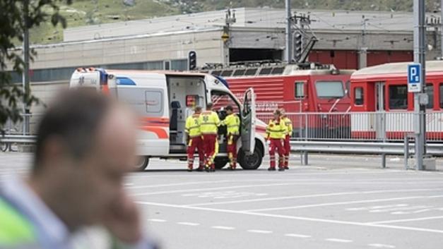 В Тверской области едва не опрокинулся сошедший с рельсов локомотив пассажирского поезда