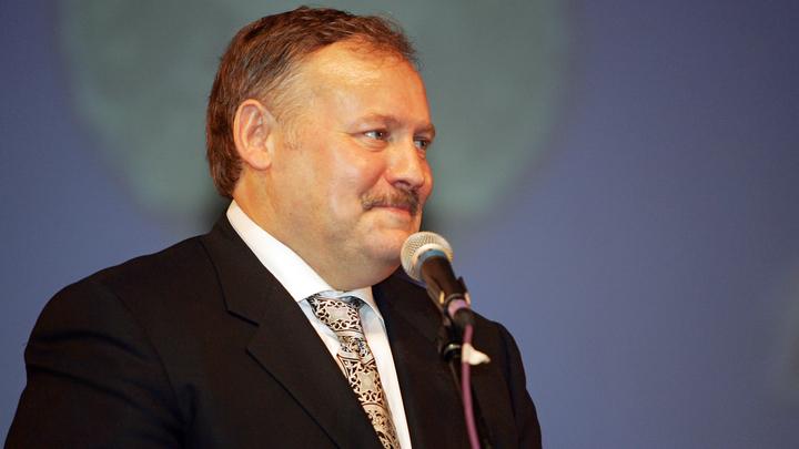 Эстония запретила въезд одному из авторов Конституции России