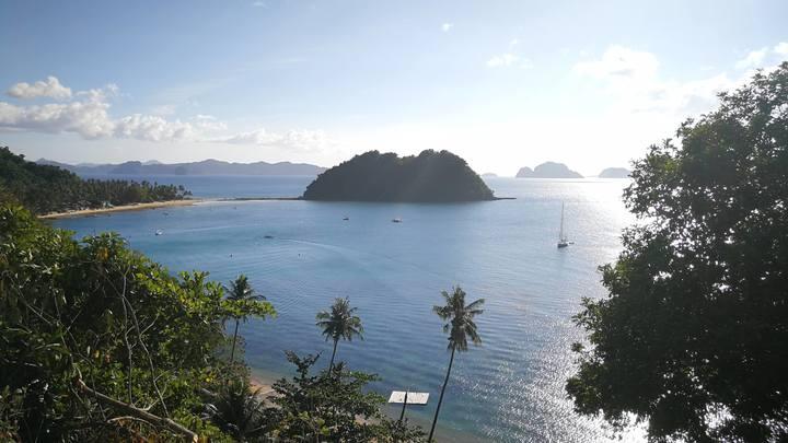 Самый красивый на Земле остров грозит превратиться в огромную свалку