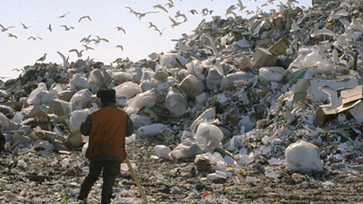 Народный сход: Тысячи жителей Волоколамска на морозе требуют введения режима ЧС из-за мусорной вони