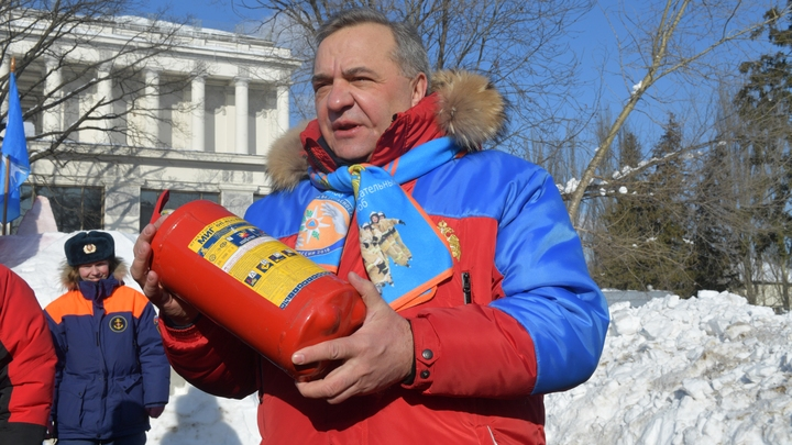 Спустя неделю после пожара в Кемерове глава МЧС созрел извиниться перед родителями жертв