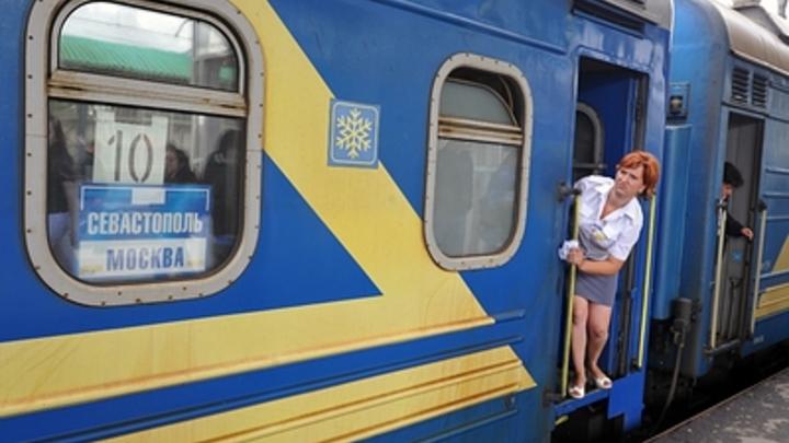 Кинологи ищут, пассажиры разъезжаются: Что известно об эвакуации с Курского вокзала в Москве