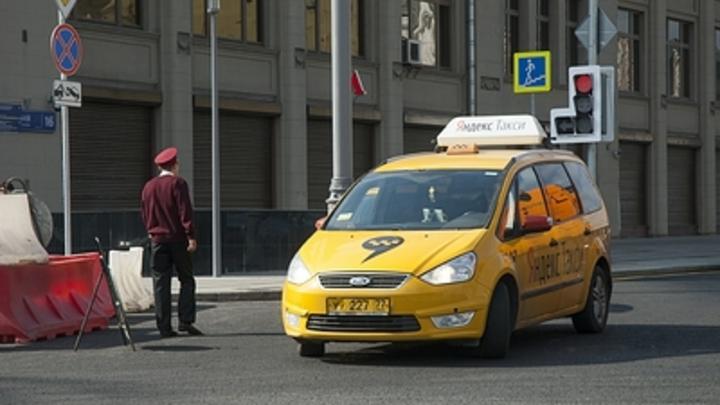 Перевозчиков заставят страховать пассажиров такси