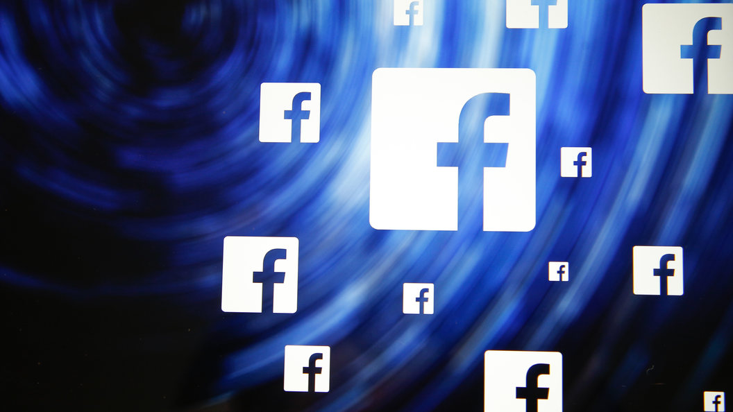Роскомнадзор потребовал от Facebook объяснить блокировку аккаунтов российских СМИ