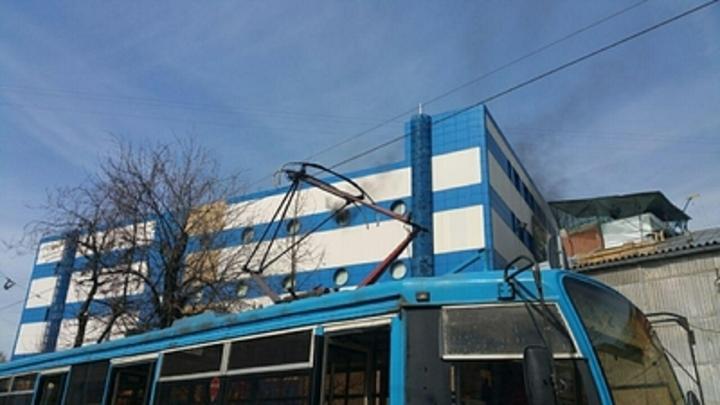 В МЧС назвали причину пожара в ТЦ Персей в Москве
