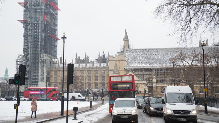 Будни Европы: В Лондоне банда на мопедах с мачете ограбила магазин элитных часов