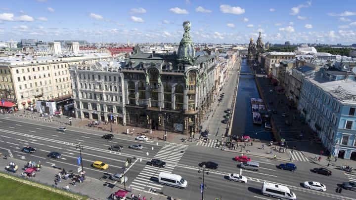 Невский проспект почти месяц будет отдыхать от автомобилей
