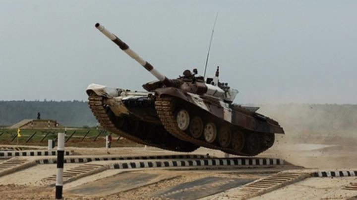 Этот танк в бою надежней: В СМИ сравнили русский Т-90 и американский «Абрамс»