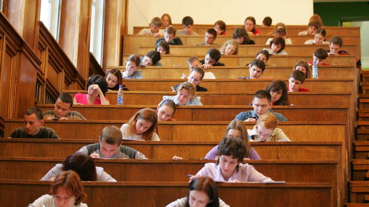Кто на что учился: Студентов-бюджетников могут обязать работать по специальности