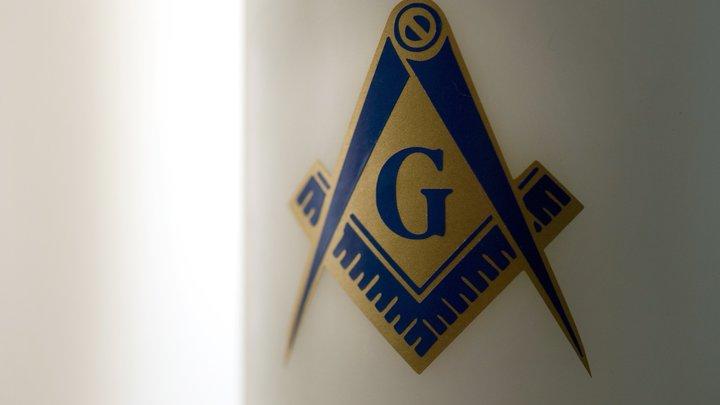 Жить страшно: Гаспарян нашёл Тайное мировое правительство масонов в Москве - фото